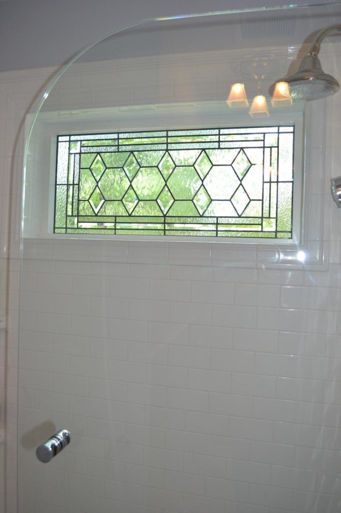 Classic All Beveled Diamond & Clear Textured Glass Window