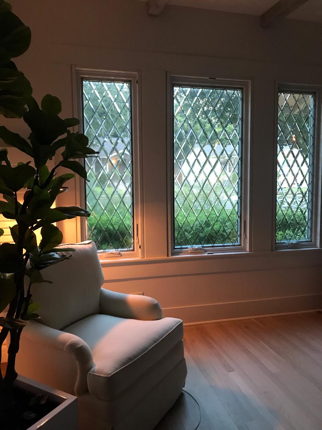 Traditional! All Clear Beveled Diamonds Stained Glass Windows Installed In A living Room