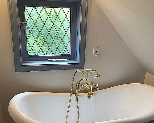 bathroom tudor